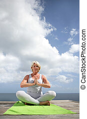 practicar, mujer, yoga, aire libre
