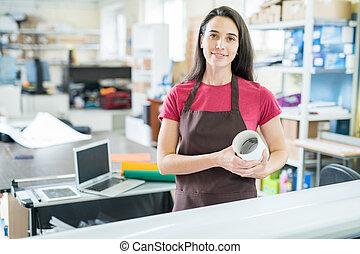 pracująca kobieta, typografia, biuro