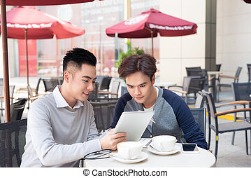 pracujący, handlowy, tabliczka, ludzie, dwa, asian, portret, kawiarnia