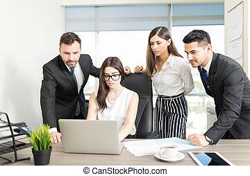 pracujący, jej, młody, dyrektor, drużyna, mądry
