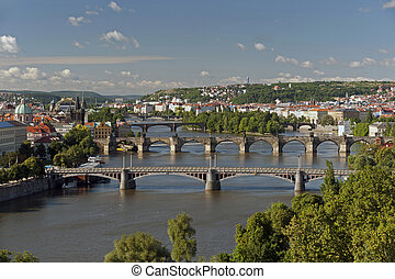 praga, -, vista panoramica, con, fiume vltava, e, ponti