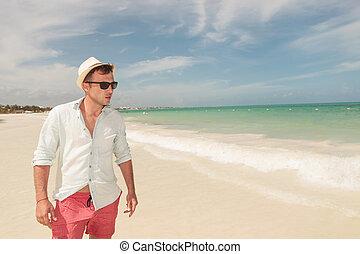 praia, andar, homem, jovem, bonito
