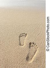 praia areia, com, pegadas