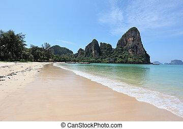 praia areia, pedras