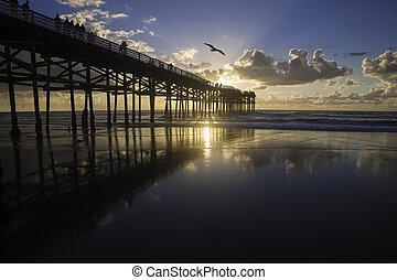 praia, cais, pôr do sol, pacífico