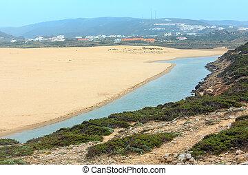 Praia da Bordeira (Algarve, Portugal).