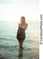 praia, loiro, retrato, mulher, bonito, adelgaçar, excitado, descansar, tropicais, recurso, água, mar
