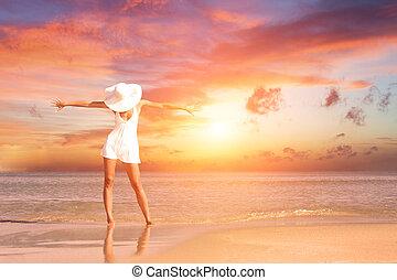praia, mulher, pôr do sol