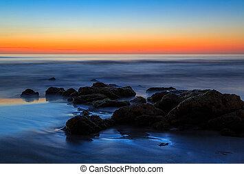 praia, pedregulhos, amanhecer