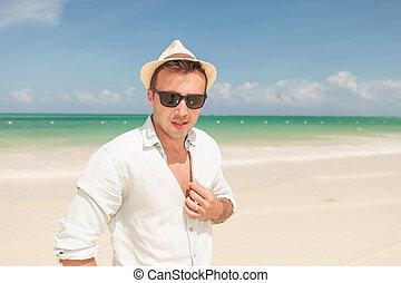 praia, posar, homem jovem, atraente