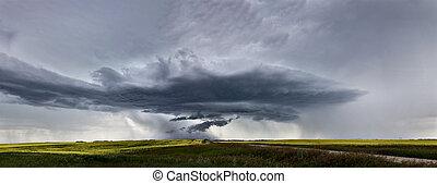 prairie, nuages tempête