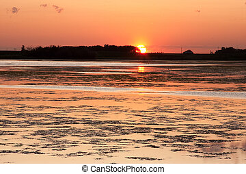 Prairie sunset on Lake