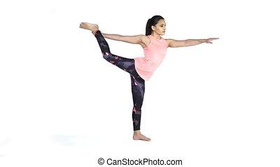 pratiquer, femme, pose yoga, natarajasana