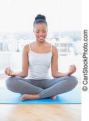 pratiquer, femme, yoga, paisible