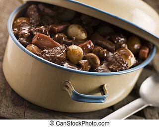prato casserole, com, carne, bourguignonne