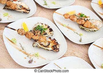 prato, com, shish kebab, de, mar, vieiras, e, assado, ostras