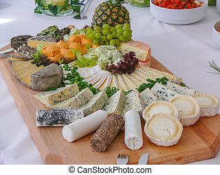 prato queijo, com, variedade, de, aperitivos, ligado, tabela, um, madeira