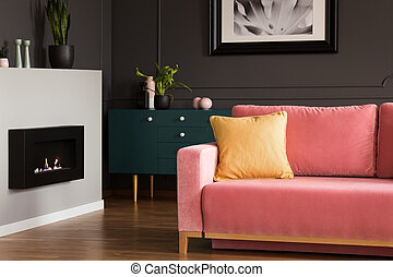 prawdziwy, żyjący, aksamit, różowy, płonący, eco, rocznik wina, nowoczesny, photo., walls., żółty, ciemny, proszek, sofa, wewnętrzny, czarnoskóry, kominek, poduszka, pokój