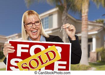 prawdziwy, kobieta, stan, klawiatura, dom, sprzedany znak, dzierżawa, podniecony