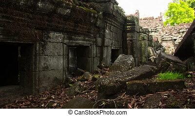 Preah Khan temple slider timelapse 2
