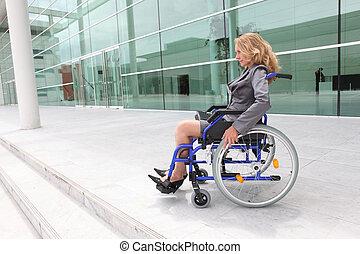 predios, cadeira rodas, mulher, exterior, escritório