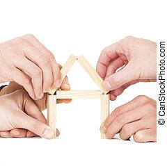 predios, casa madeira, homem negócios, mão, cinco, bloco