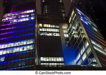 predios, escritório, média, modernos, moscou, foreshortening, abaixo, chãos, arranha-céu, noturna