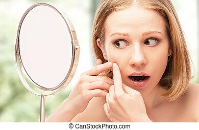 pregas, serra, espelho, bonito, acne, mulher, assustado, ...