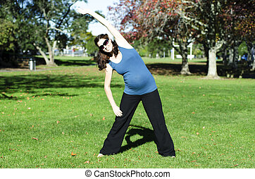 Pregnancy - pregnant woman exercise