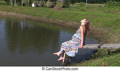 pregnant woman bridge
