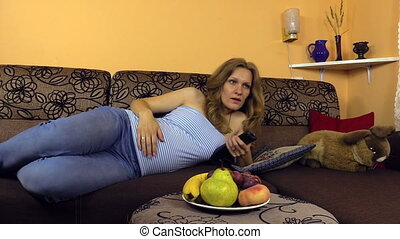 pregnant woman watch tv