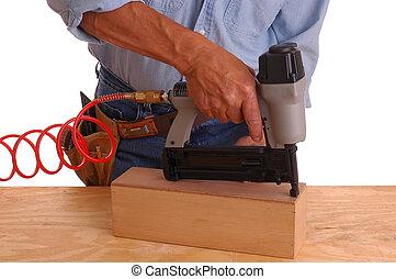 prego, usando, carpinteiro, arma