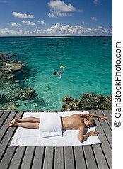 prendere il sole, -, molo, polynesia francese, ragazza