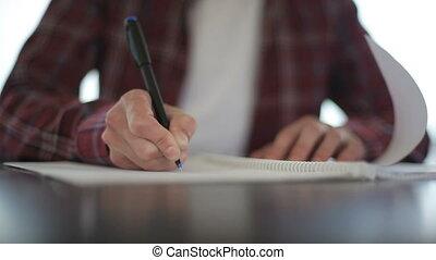 prendre, haut, notebook., mains, fin, mâle, notes
