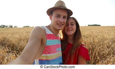 prendre, heureux, selfie, couple, jeune