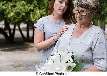preoccupare, sostenere, nipote, lei, nonna
