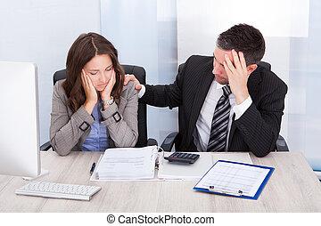 preocupado, finanzas, calculador, businesspeople