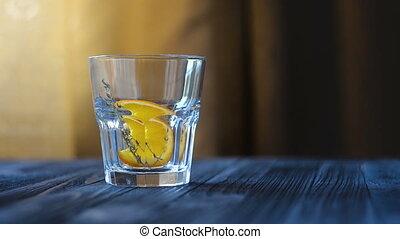 Preparation of one serving of lemonade or cocktail