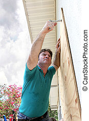 preparazione, uragano, -, legno compensato, fissaggio