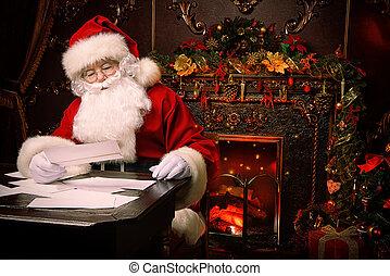 prepare for Christmas - Santa Claus is preparing for ...