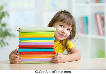 preschooler, girl, livres, intelligent, gosse
