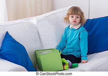 preschooler, mignon, sofa