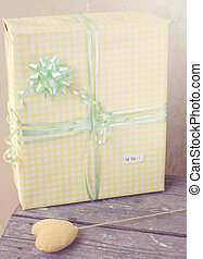 Present in the yellow box rustic style