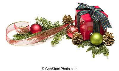 presente navidad, con, cinta, piñasdel pino, y, ornamentos