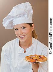 Presenting a fruit tart