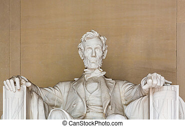 President Lincoln statue - Statue of President Lincoln in...