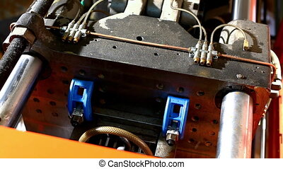 press molding machine top view at work loop