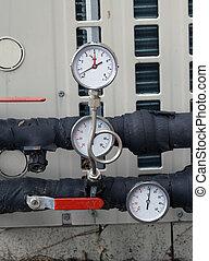 pressure gauges , manometer and pipes
