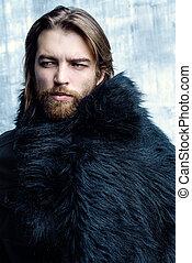 pretas, casaco pele