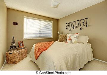 Pretty gentle bedroom - Gentle tones bedroom with ivory...